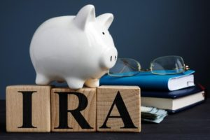 IRA vs Roth IRA, what is an IRA?