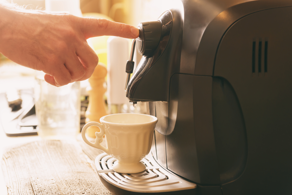 make coffee at home, saving money
